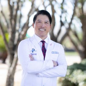 Dr Trinh Bio image