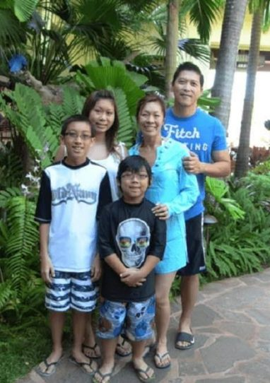 Trinh and family enjoying in Hawaii